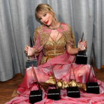 Taylor Swift at AMA Nominated Against Legends Won The Artist of The Year Award