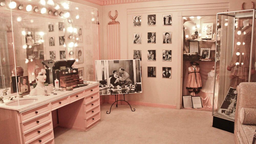 beauty room declutter