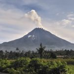 Mount Sinabung Volcano Flared Up, Smoke Column Reached 3 Miles Up